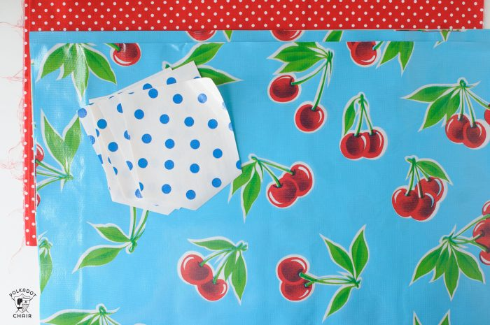 How to make an oilcloth placemat - a free sewing tutorial for a summer placemat with a pocket!