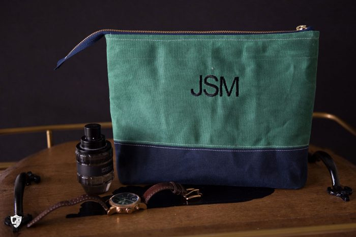 Free sewing pattern for a monogrammed travel bag. Such a great DIY gift for a guy or a Dad. -- Waxed Canvas Travel Bag Pattern