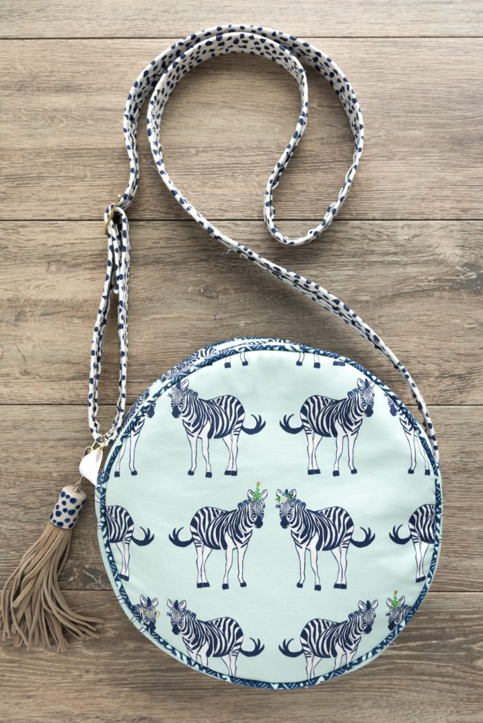 Alice bag round bag sewing pattern by Melissa Mortenson - such a cute bag to sew!