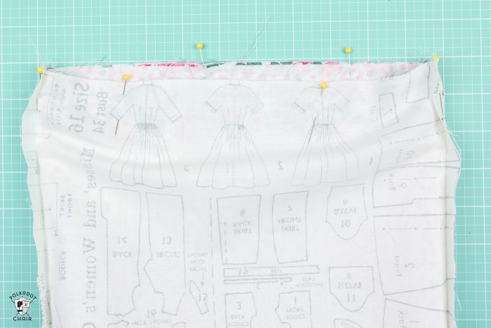 Free tutorial and Lined Drawstring Bag Sewing Pattern - how to sew a reversible drawstring bag and add cute sayings to the front! Includes free cricut cut file downloads #sewing #sewingpattern #drawstringbag #laundrybag #cricut #cricutmade #ad