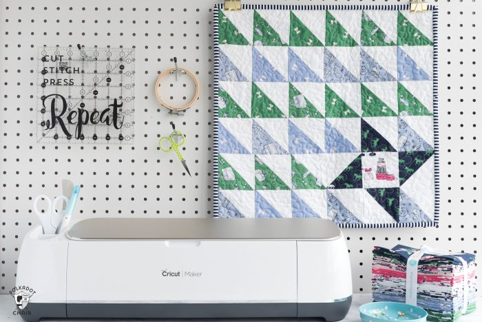 Tips and tricks for using the cricut maker for quilting and adapting the maker for existing quilting patterns #cricutmaker #cricutmade #Cricut #quilts #quilting #miniquilt