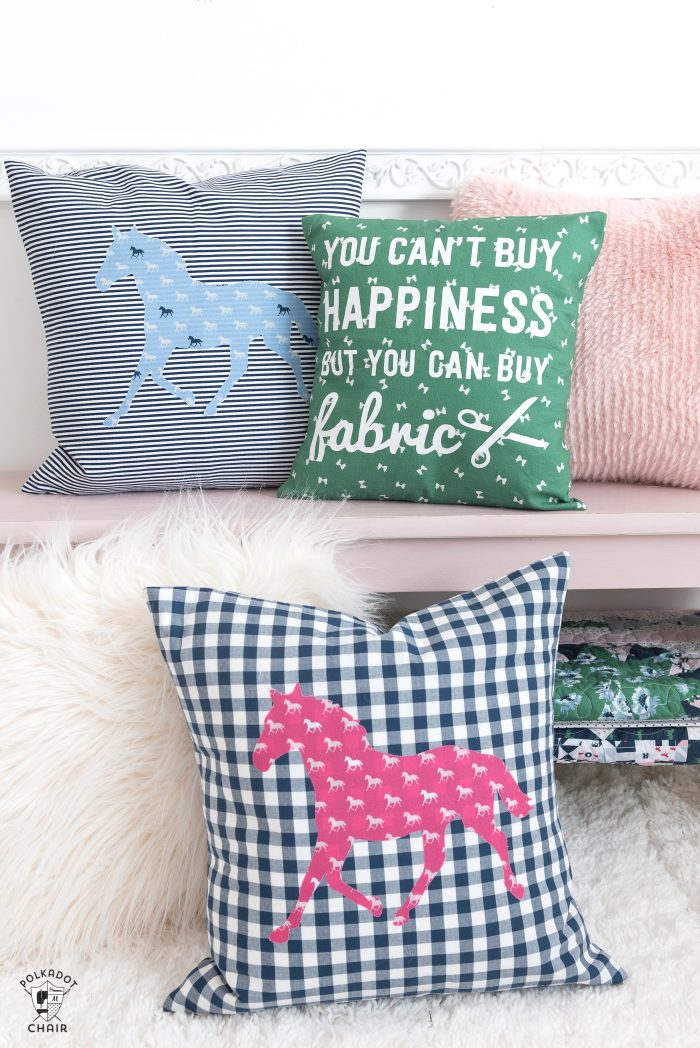 How to sew a horse applique pillow, a free sewing pattern using Derby Day fabrics. DIY horse pillow pattern, sewing projects for beginners