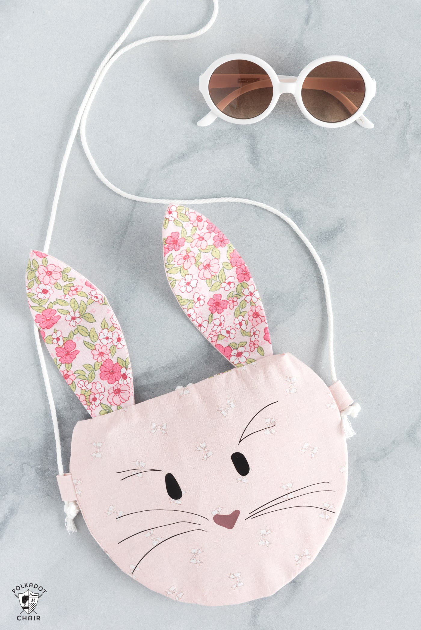 How to make a bunny purse, a free bunny sewing pattern for the Cricut Maker - cute kids purse ideas #Cricut #CricutMade #CricutMaker #BunnyPurse #BunnySewingPattern