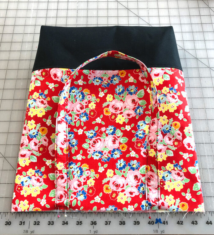 outside of tote bag on cutting mat