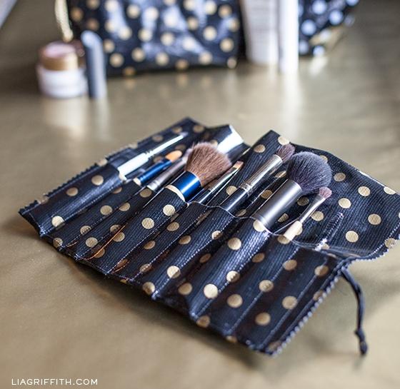 DIY Oilcloth Makeup Brush Roll