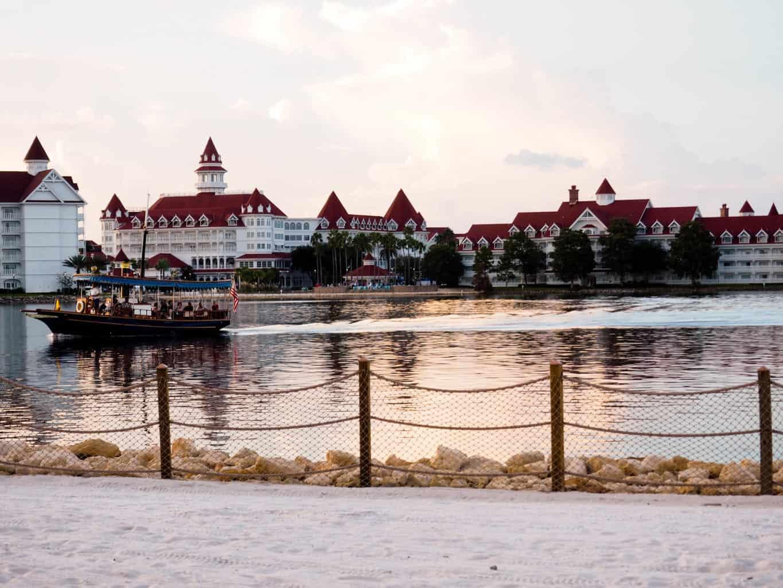 Beginner's Guide to Resort Hopping at Walt Disney World