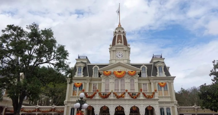 Walt Disney World Bucket Lists of Each Park for Beginners & Free E-Book