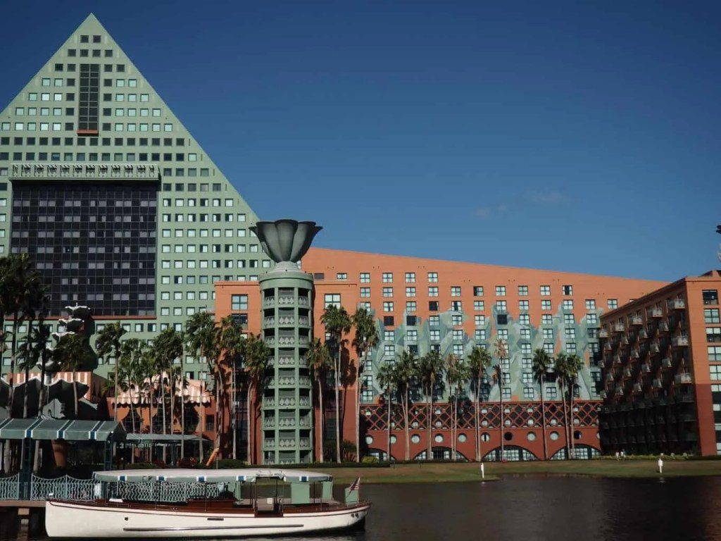 dolphin hotel on the disney boardwalk hotels