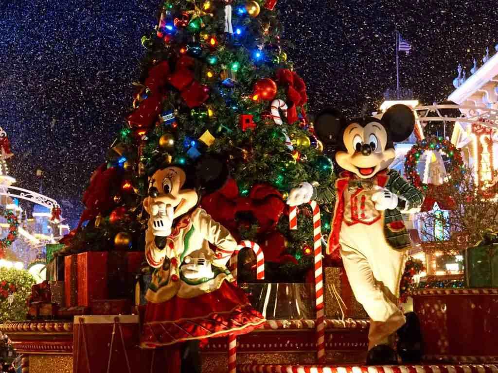 very merry christmas parade disney world