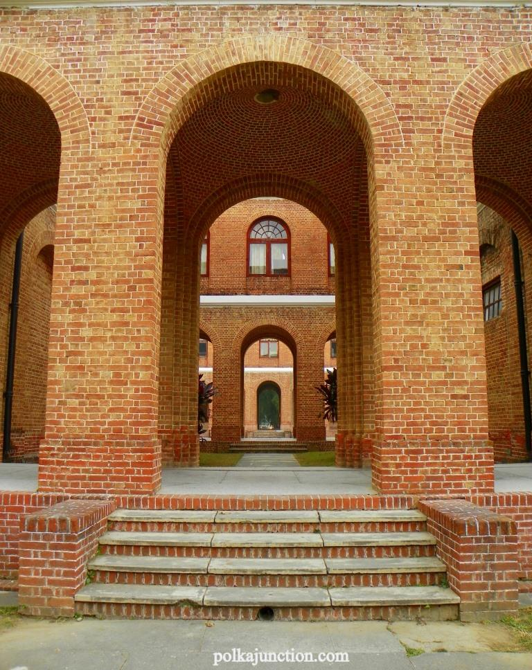 Forest Research Institute;s Architecture