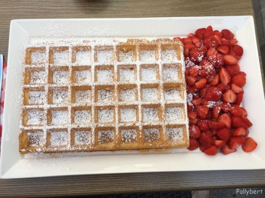 when in Bruges, eat waffle