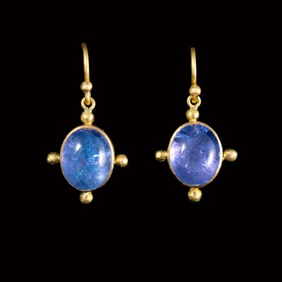 Blue and mauve Tanzanite cabochon earrings on wires