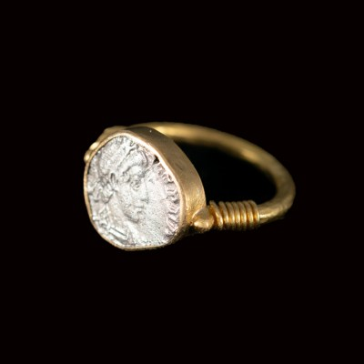 Roman coin in 22ct gold ring