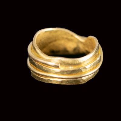 heavy gold ring