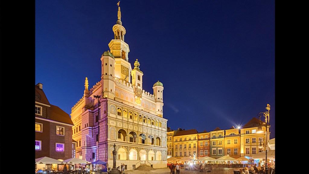 Poznań dans la nuit