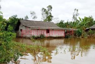 Rumah warga yang ada di Kampung Andalas Cermin