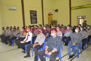 57 personel Polres Tulang Bawang yang UKP pada 1 Januari 2021 mengikuti PPL yang dilaksanakan Bid Propam Polda Lampung di GSG Wira Satya Mapolres setempat
