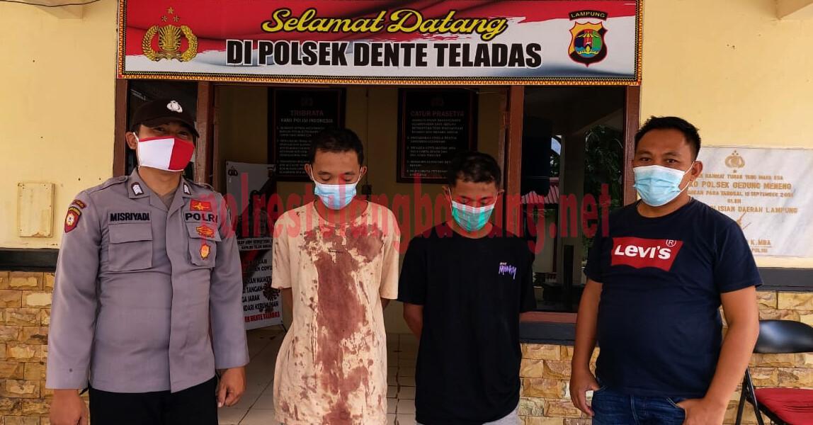 Dua pemuda berinisial RB (22) dan HD (20), yang ditangkap Polsek Dente Teladas karena melakukan curat di room karaoke, nomor 3, cafe gabut, Kampung Pendowo Asri
