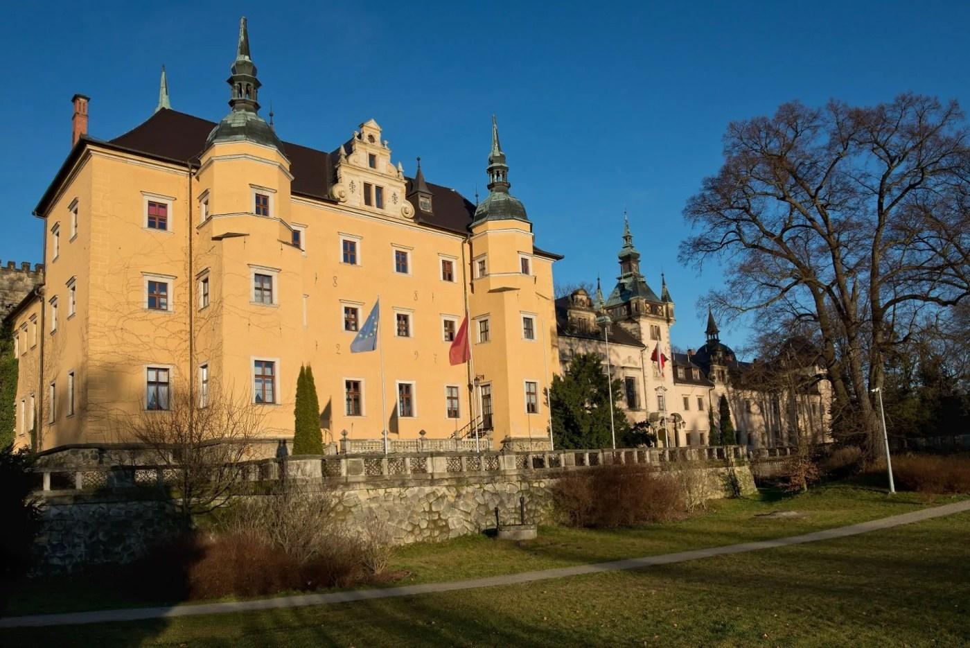 Zamek Kliczków – warownia pełna duchów i legend