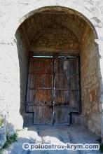 Пещерный город Чуфут-Кале. Восточные ворота (башня Биюк-Капу). Автор фото Ольга Иутина