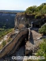 Южные Малые ворта (Кучук-Капу) пещерного города Чуфут-Кале. Автор фото Ольга Иутина