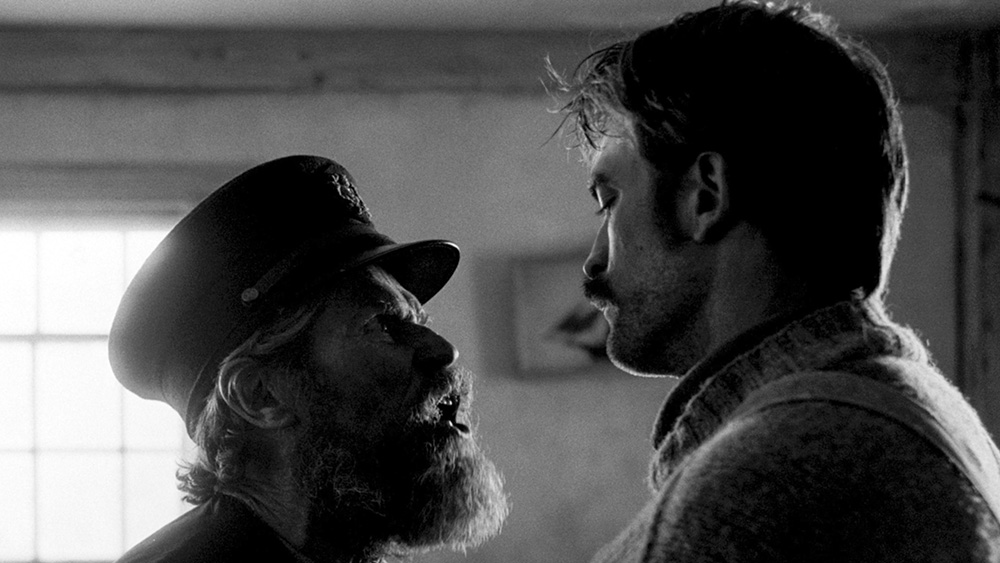 The-Lighthouse-Willem-Dafoe-Robert-Pattinson-02