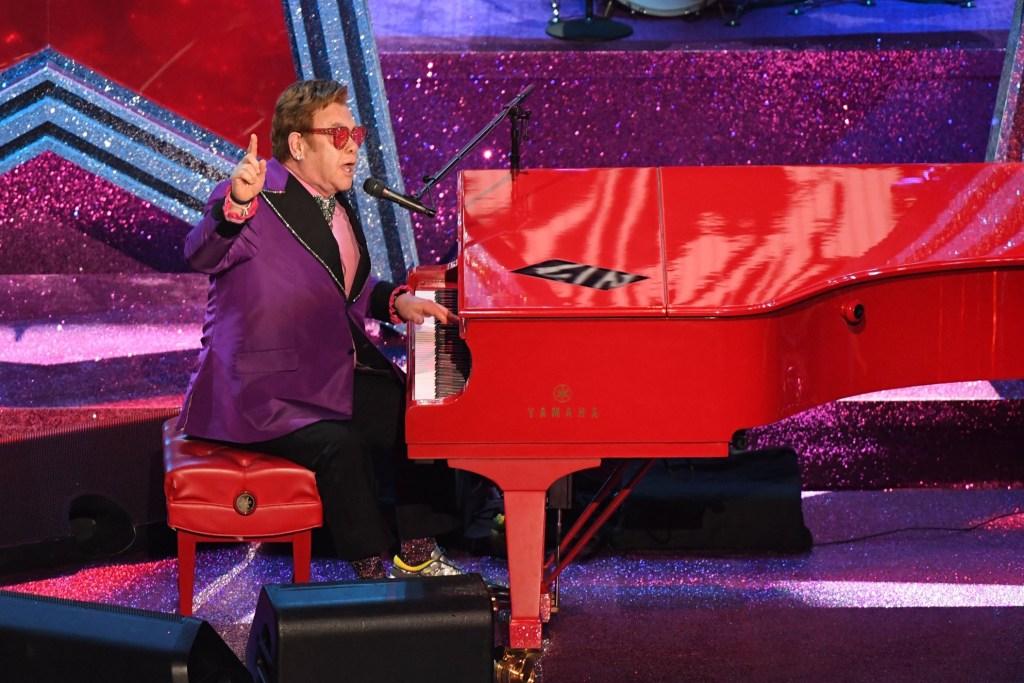 Elton John en los Oscar