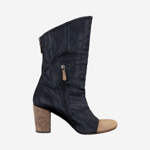 Black Zipper Tip Boot