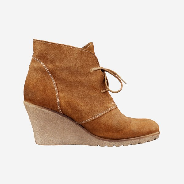Brown Sleeve Boots
