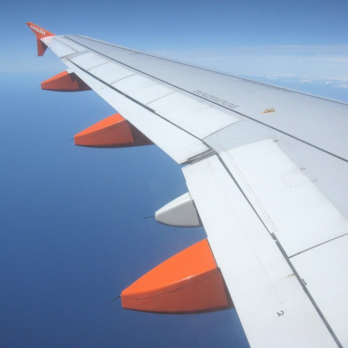 airplane wing image