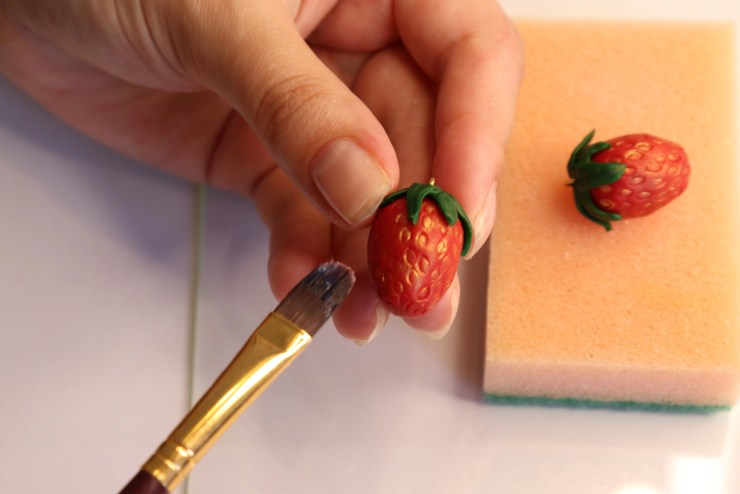 31 Strawberry earrings made of polymer clay