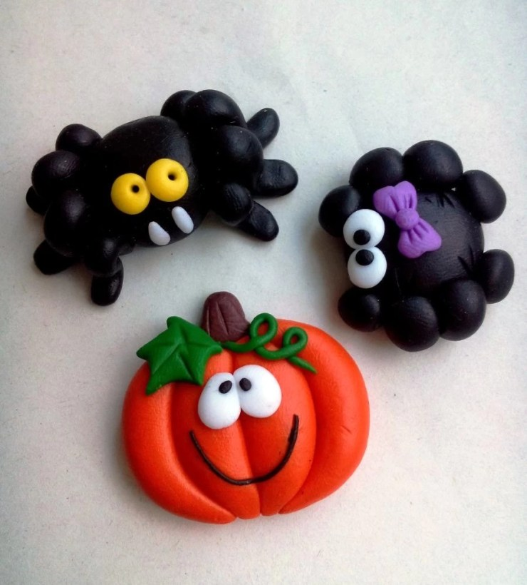 Polymer clay jewelry ideas for modeling with children: Halloween Ideas