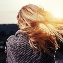 Flavonoide sollen die Haarwurzeln unterstzützen