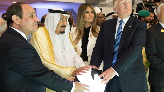 Der ägyptische Präsident Abd al-Sisi, der saudische König Salman, Melania und Donald Trump in Riad