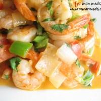 sauteed shrimp in a creamy sofrito sauce