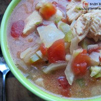 slow cooked chipotle chicken chili