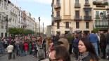 Throngs of Spaniards.