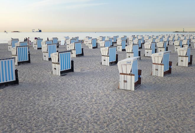 Strand in Warnemünde mit Strandkörben