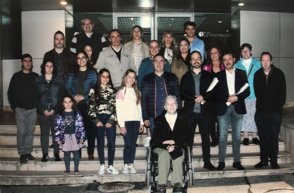 La Asociación y compañeros de visita.
