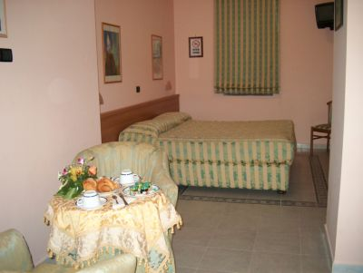 inside a room of Pompei hotel Grillo Verde