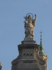 Rzeźba Matki Bożej Pompejańskiej