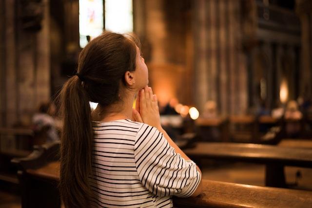 Modlitwa w kościele