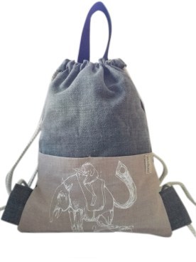 backpackgrisclose