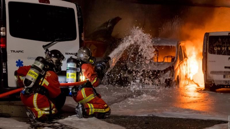 ?? Marseille (13) : Un marin-pompier blessé dans un feu d'entrepôt