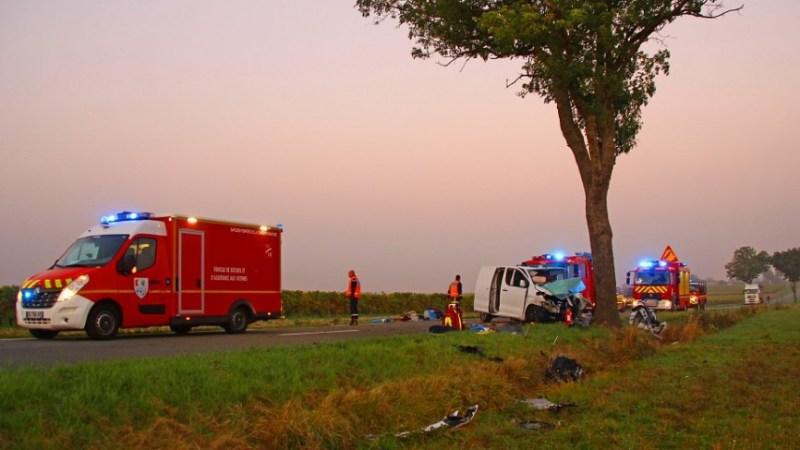 🇫🇷 Echebrune (17) : Un automobiliste fortement incarcéré dans un accident de la circulation