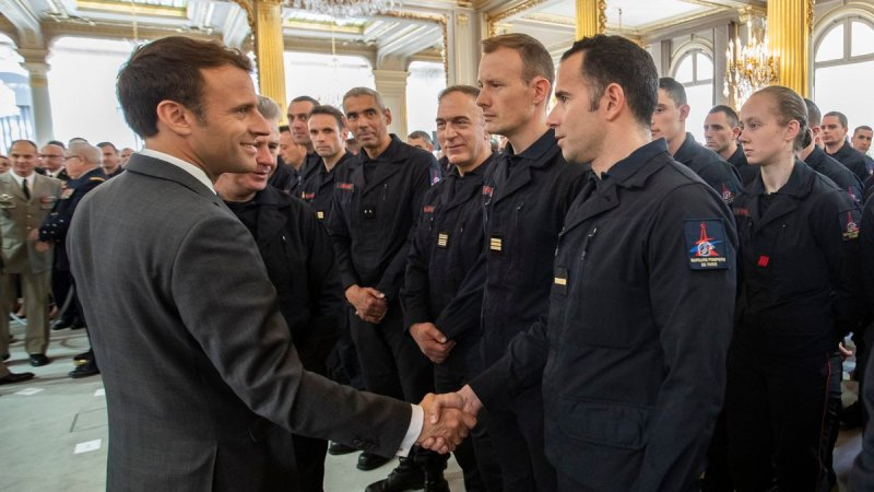 🇫🇷 Paris (75) : Les Pompiers de Paris reçus à l'Élysée