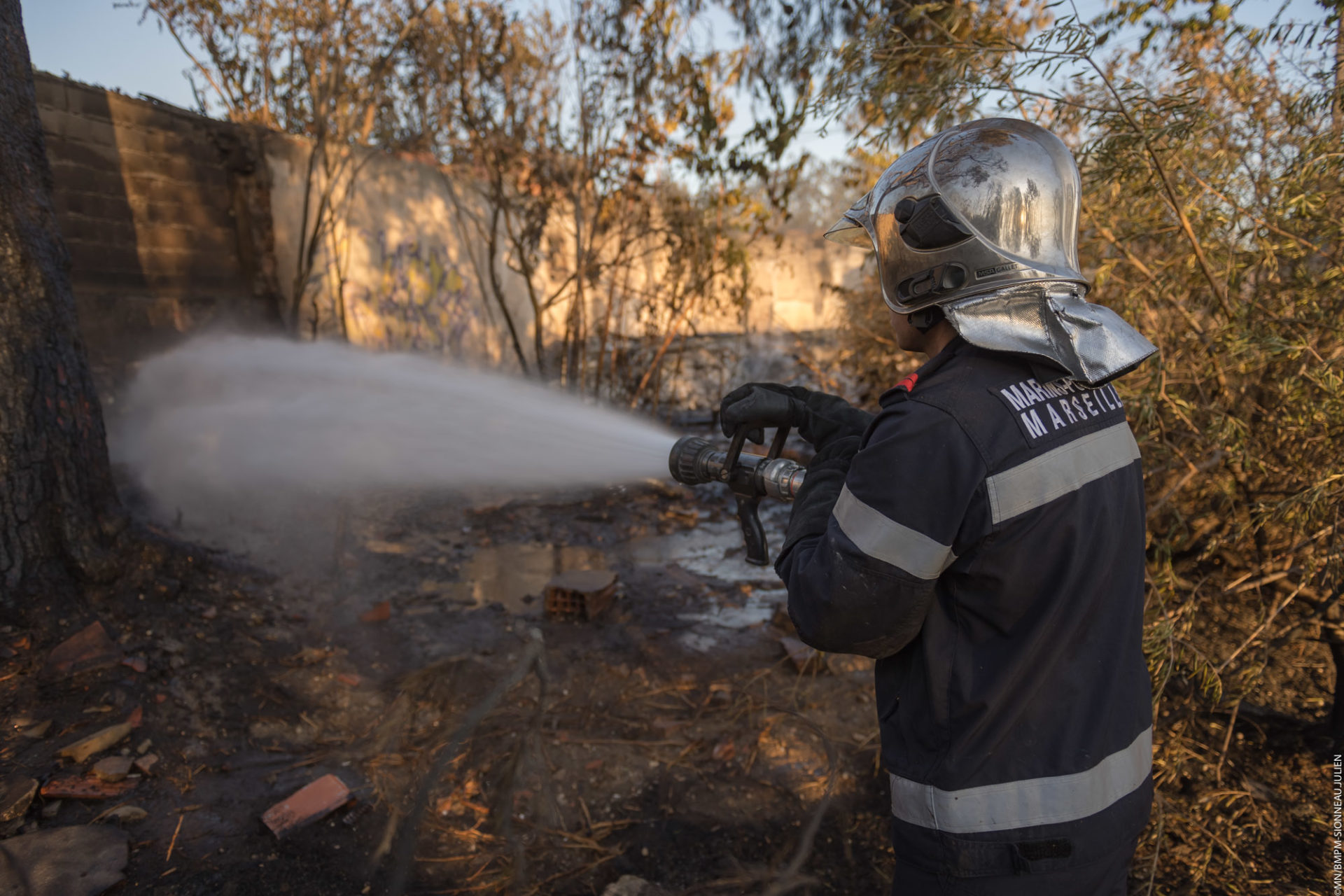 🇫🇷 Marseille (13) : Un incendie sur le chemin du littoral a menacé plusieurs habitations