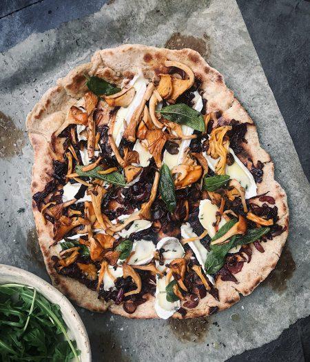 Wild Mushroom & Caramelised Onion Flatbread Pizza