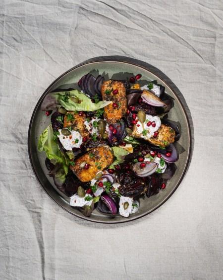 za'atar crusted haloumi and roasted red onion salad with sumac yoghurt