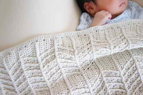 埼玉県所沢市の編み物教室pomponnerがかぎ針編みで編んだブランケットの画像